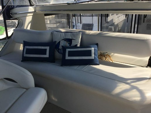 2001 Sea Ray boat for sale, model of the boat is 380 Aft F/B & Image # 5 of 18