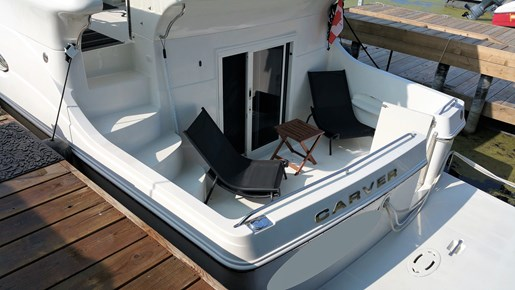 2007 Carver 41 Cockpit Motor Yacht Photo 4 of 15
