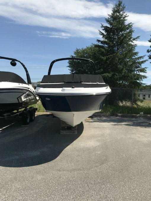 Sea Ray SPX 230 2018 New Boat for Sale in Minett, Ontario