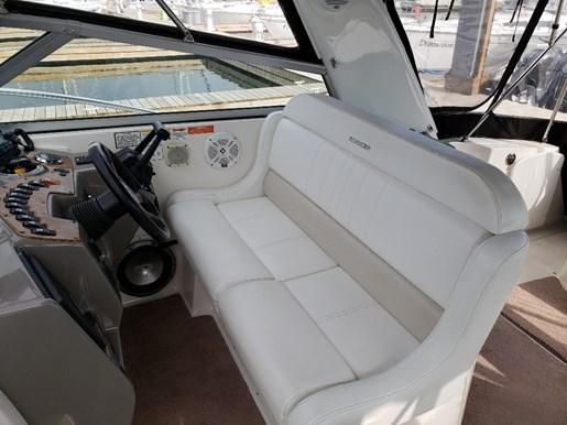 2006 Rinker boat for sale, model of the boat is 342 Fiesta Vee & Image # 5 of 14
