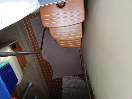 2006 Rinker boat for sale, model of the boat is 342 Fiesta Vee & Image # 7 of 14