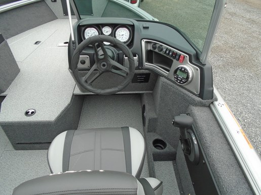 2019 Lund boat for sale, model of the boat is 1775 Impact Sport For Sale - LF771 & Image # 4 of 6