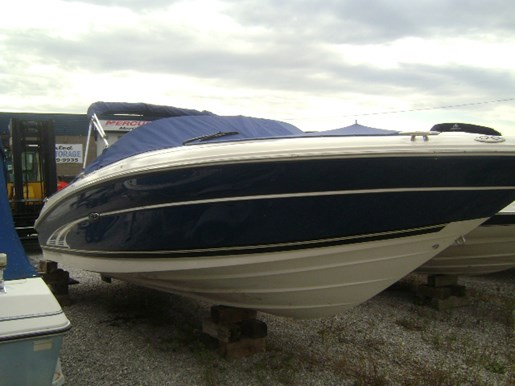 Sea Ray Signature 230 2001 Used Boat for Sale in Washago, Ontario -  BoatDealers ca