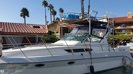 1989 Cruisers Yachts 3270 Esprit Photo 6 of 20