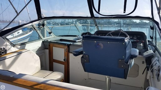 1989 Cruisers Yachts 3270 Esprit Photo 15 of 20
