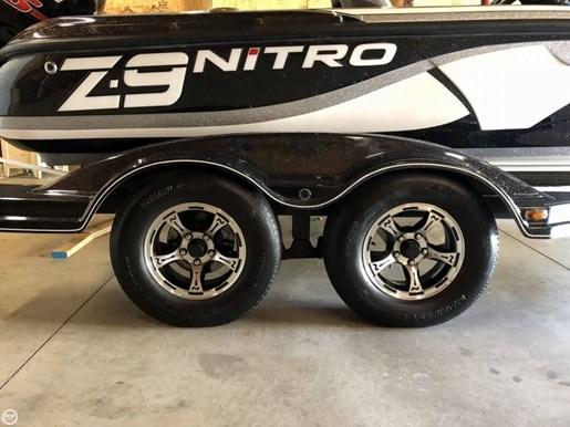 2015 Nitro Z9 SC Photo 18 of 20