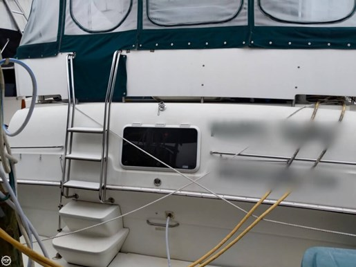 1995 Silverton 41 Aft Cabin Photo 3 of 20
