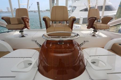 2014 Viking Yachts 42' Open Photo 9 of 32