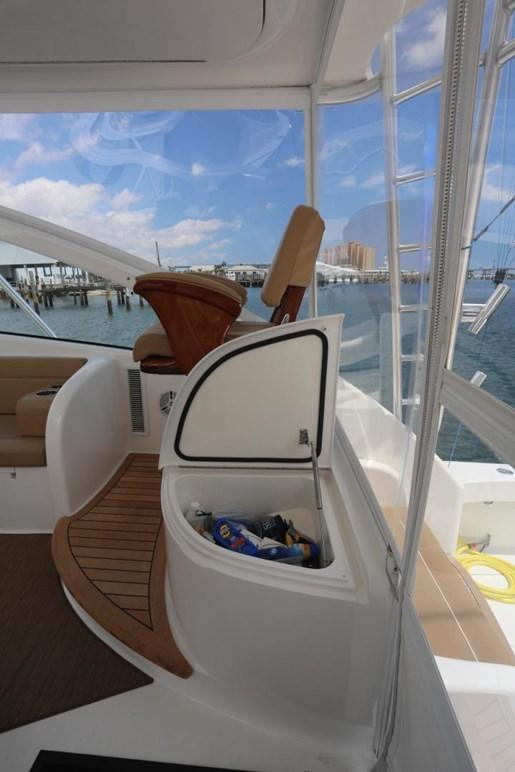 2014 Viking Yachts 42' Open Photo 11 of 32