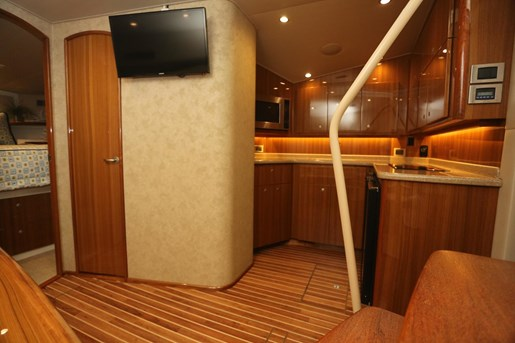 2014 Viking Yachts 42' Open Photo 18 of 32