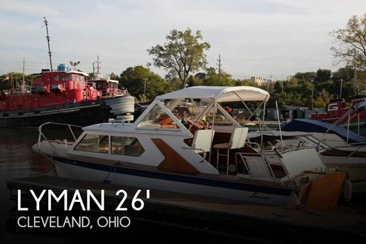 1969 Lyman 26 Express Cruiser Photo 1 of 20