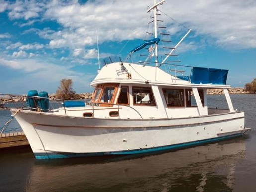 1976 MARINE TRADER 34 SEDAN for sale