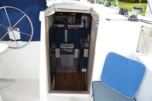 1999 Endeavour Catamaran 36 Photo 16 of 58