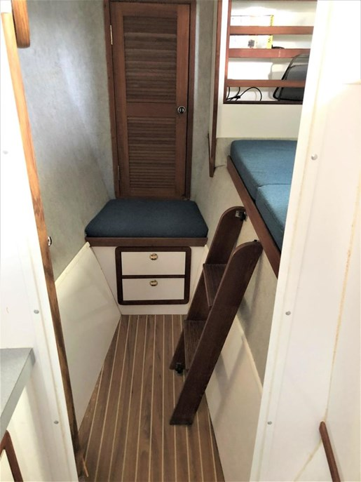 1999 Endeavour Catamaran 36 Photo 37 of 58