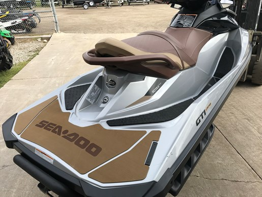 2018 Sea-Doo GTI Limited 155 Photo 4 of 7