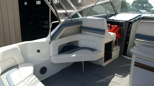 1991 Cruisers Yachts 3675 ESPRIT Photo 3 of 24