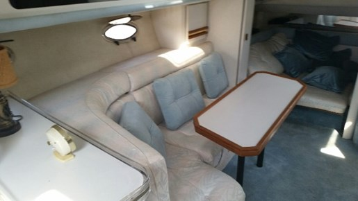 1991 Cruisers Yachts 3675 ESPRIT Photo 9 of 24