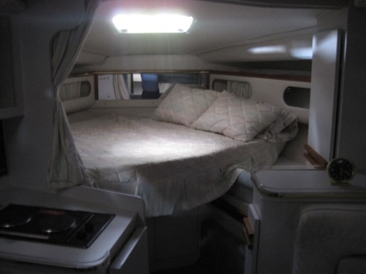 1991 Cruisers Yachts 3675 ESPRIT Photo 15 of 24
