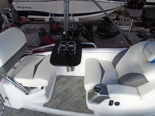 2019 Manitou boat for sale, model of the boat is 25 X-Plode SRS For Sale - MAN119 & Image # 8 of 10