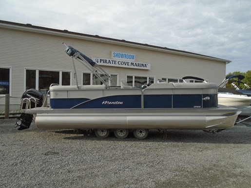 For Sale: 2019 Manitou 23 Oasis Bar For Sale - Man120 24ft<br/>Pirate Cove Marina