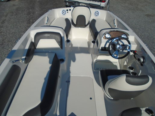 2019 Stingray boat for sale, model of the boat is 182 SC w/ Fishing Package For Sale- STR111 & Image # 3 of 6