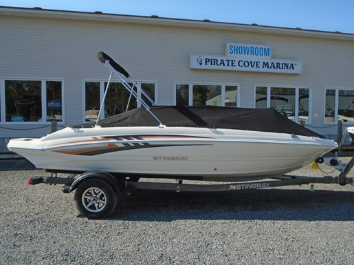 2019 Stingray boat for sale, model of the boat is 182 SC w/ Fishing Package For Sale- STR111 & Image # 2 of 6