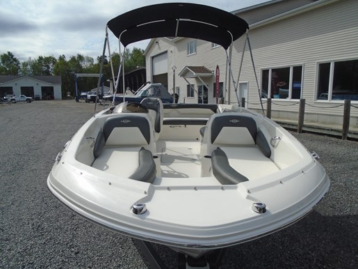 2019 Stingray boat for sale, model of the boat is 182 SC Blue Graphics For Sale - STR112 & Image # 2 of 5