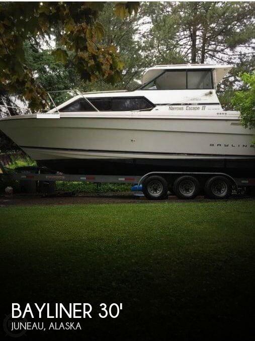 Bayliner Ciera Exp 2858 1996 Used Boat for Sale in Juneau, Alaska -  BoatDealers ca