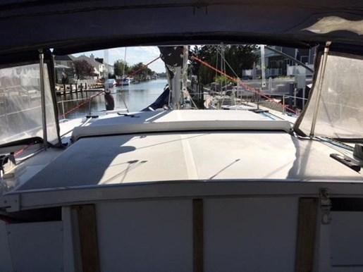 1997 Endeavour Catamaran Mark II Photo 13 of 40