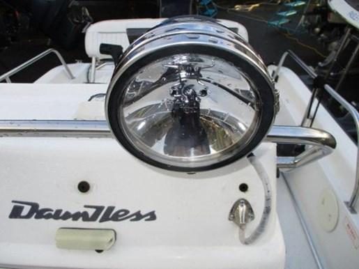 2000 Boston Whaler Dauntless 14 Photo 13 of 17