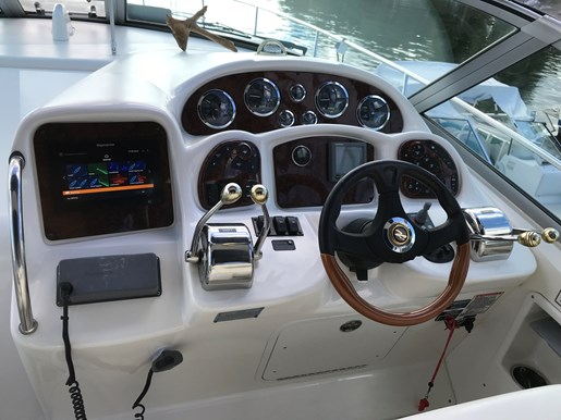 2003 Sea Ray 320 Photo 2 sur 17