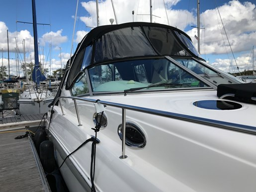 2003 Sea Ray 320 Photo 9 sur 17