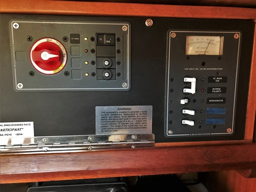 1980 W.D. Schock Corp. Santana 35 Photo 37 of 60