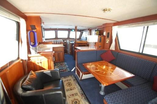 2007 Kenner boat for sale, model of the boat is Suwanee Flybridge Cruiser & Image # 8 of 17