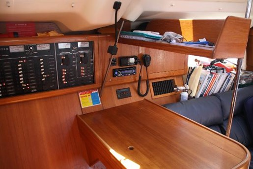 2002 Hunter boat for sale, model of the boat is 410 & Image # 5 of 19