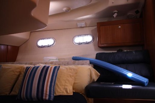 2002 Hunter boat for sale, model of the boat is 410 & Image # 8 of 19