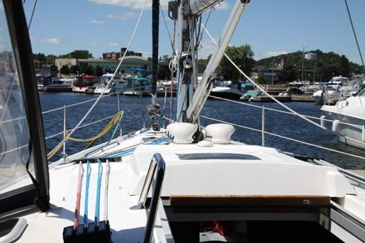 2002 Hunter boat for sale, model of the boat is 410 & Image # 15 of 19