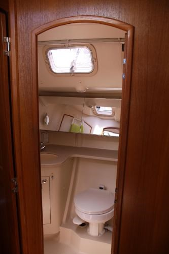 2002 Hunter boat for sale, model of the boat is 410 & Image # 7 of 19