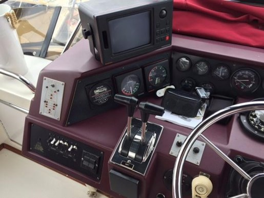 1989 Sea Ray boat for sale, model of the boat is 380 Aft Cabin & Image # 4 of 12