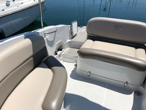 2013 Crownline boat for sale, model of the boat is Eclipse E6 & Image # 4 of 8