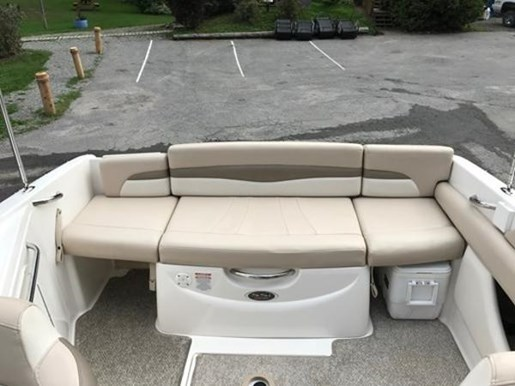 2011 Chaparral boat for sale, model of the boat is 215 & Image # 3 of 4