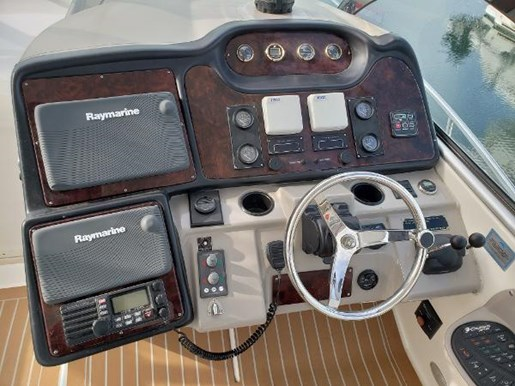2004 Cruisers Yachts boat for sale, model of the boat is 440 Express & Image # 6 of 16