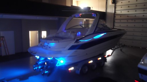2006 Crownline boat for sale, model of the boat is 320 LS & Image # 7 of 14