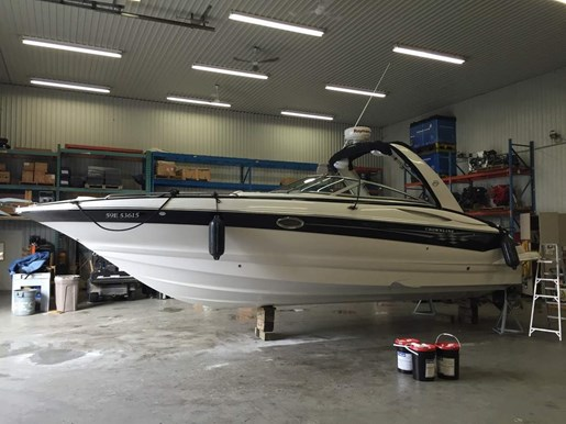 2006 Crownline boat for sale, model of the boat is 320 LS & Image # 4 of 14