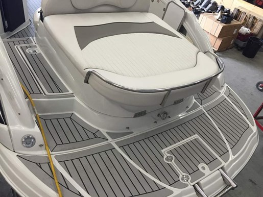 2006 Crownline boat for sale, model of the boat is 320 LS & Image # 11 of 14