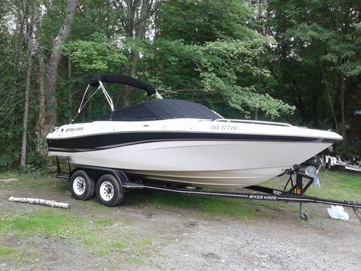 2002 Four Winns 220 Horizon For Sale