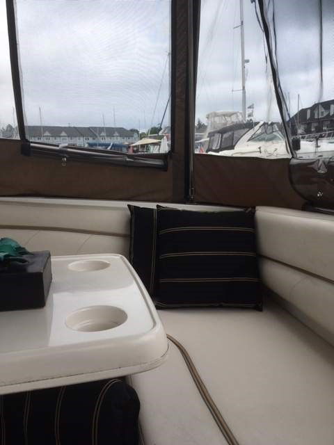 2004 Larson boat for sale, model of the boat is 330 Cabrio & Image # 6 of 11