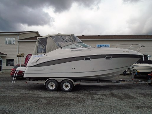For Sale: 2001 Four Winns 268 Vista 28ft<br/>Pirate Cove Marina