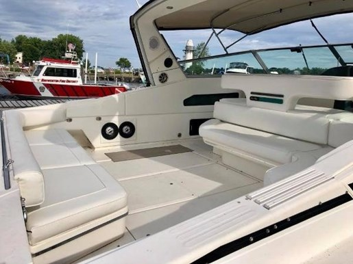 1990 Sea Ray boat for sale, model of the boat is 420/440 Sundancer & Image # 6 of 17