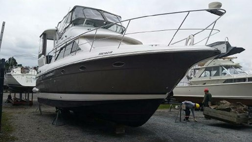 2003 CRUISERS YACHTS 3750 MOTORYACHT for sale